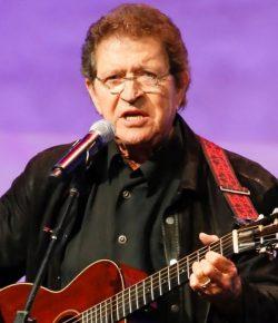 Fallece Mac Davis, compositor de «In the ghetto» y otros éxitos de Elvis Presley