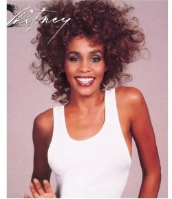 Whitney Houston logra récord con tercer disco certificado diamante
