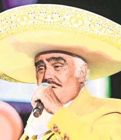 Vicente Fernández deja el área de terapia intensiva en el hospital